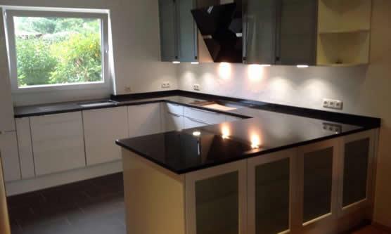 granitarbeitsplatten moderne granitarbeitsplatten. Black Bedroom Furniture Sets. Home Design Ideas